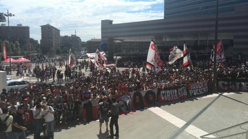 Curva Sud raduno estivo Milan 2014