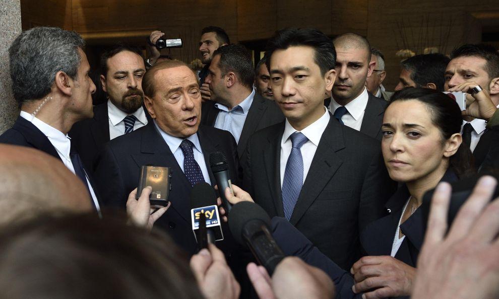 Berlusconi e Mr Bee, Milan