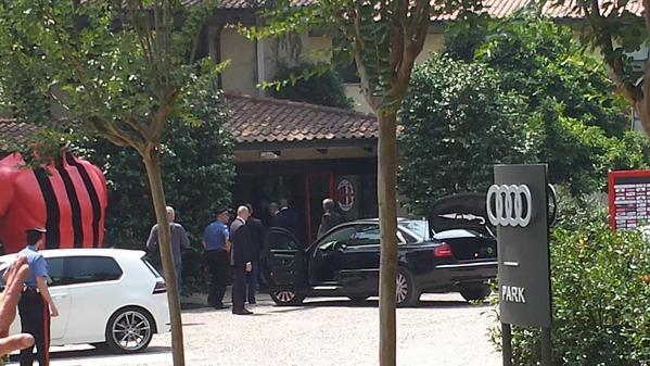 L'arrivo a Milanello di Berlusconi