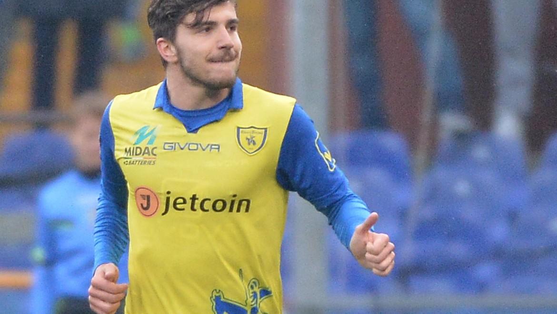 Alberto Paloschi esulta dopo un gol con la maglia del Chievo