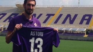 Davide Astori con la maglia della Fiorentina