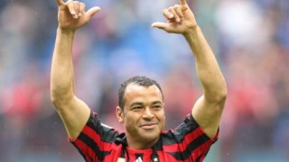 Cafù esulta per un gol con la maglia del Milan
