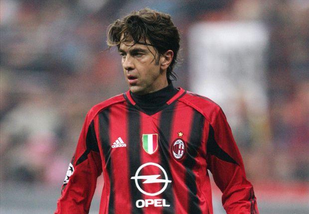 Alessandro Costacurta con la maglia del Milan