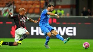 De Jong contrasta Saponara in Milan-Empoli 2-1